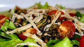 Готовим теплый салат с моллюсками и грибами #рецепт
