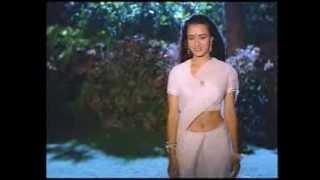 amala saree below navel