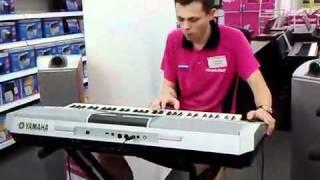 Смотреть клип Продавец жжёт real импровизация (синтезатор YAMAHA Р·Р° 70 000 СЂ.)... онлайн