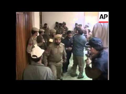 Upset in elections for Omar Abdullah, clashes, bodies of militants Mp3