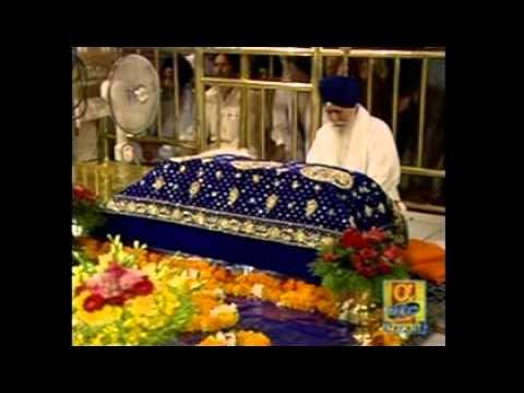 Farida Khak Na Nindeye - Bhai Nirmal Singh - Live Sri Harmandir Sahib
