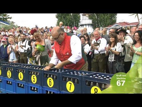 Wolfgang wettet in 100 Sekunden 300 Bierflaschen zu öffnen - ZDF Fernsehgarten 18.09.2016