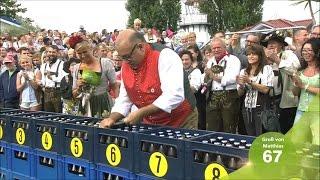 Wolfgang wettet in 100 Sekunden 300 Bierflaschen zu öffnen  ZDF Fernsehgarten 18.09.2016