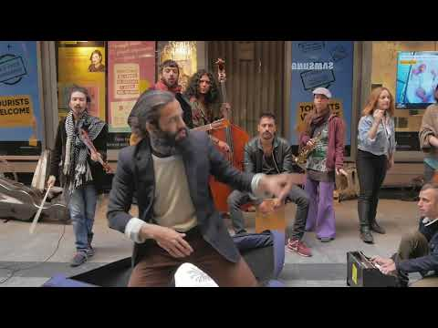 Amazing street band Ataca Paca live in Madrid