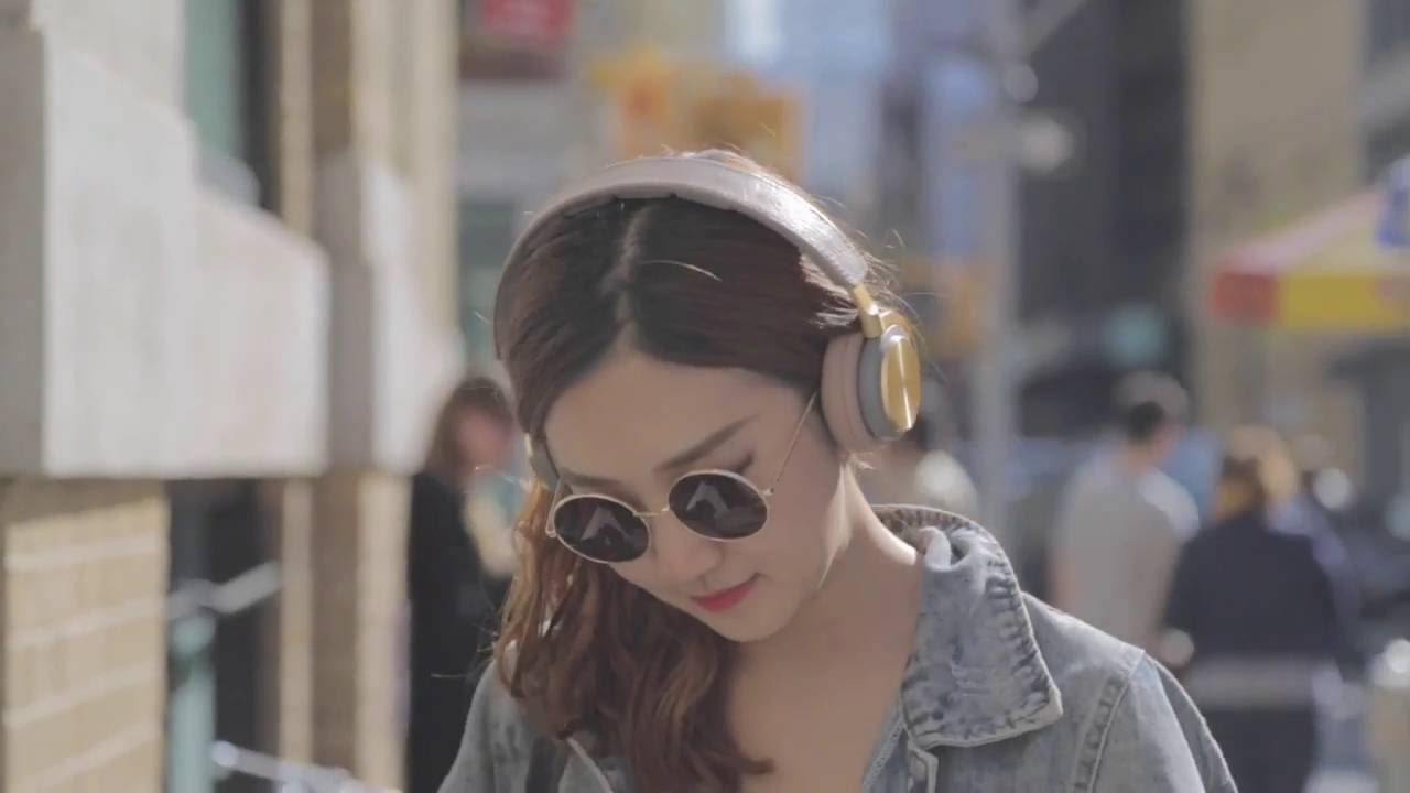 55a13574632 B&O Play H8 Headphone Review - Premium, Lightweight, Wireless, Active Noise  Cancelling - YouTube