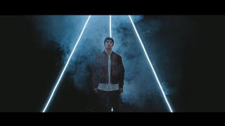 Смотреть клип Illy Feat. Vera Blue - Papercuts