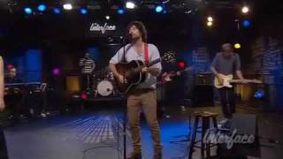 "Pete Yorn and Scarlett Johansson performing ""Blackie's Dead"" from the duets album Break Up"