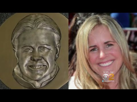 Problematic Plaque Unveiled For US Women's Soccer Legend