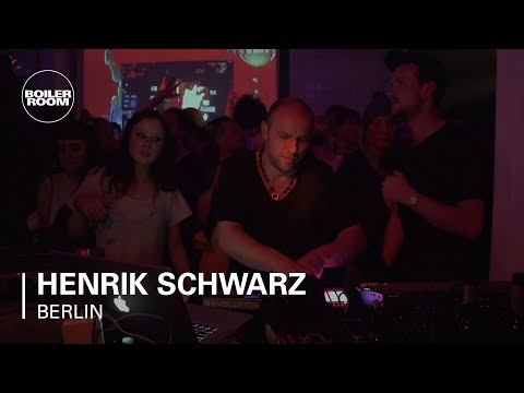 Henrik Schwarz live in the Boiler Room Berlin