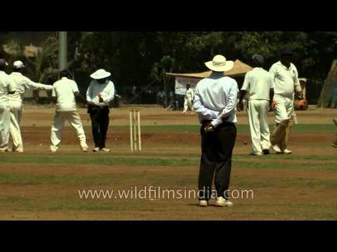 Cricket practice in Mumbai