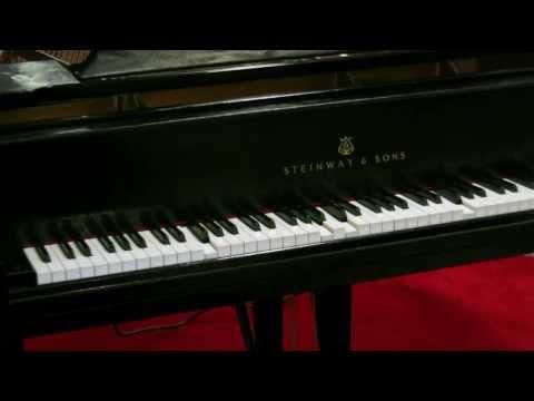 New York, JFK's Magical Piano