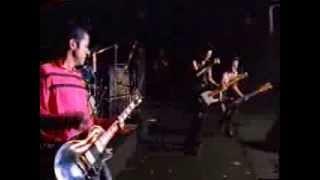 '95年7月3日、4日新宿リキッドルームでのライブ。 LIVE BRATSより.