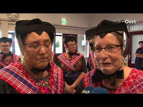 Burgemeester Alssema van Staphorst tijdens afscheid benoemd tot Ridder in Orde van Oranje-Nassau