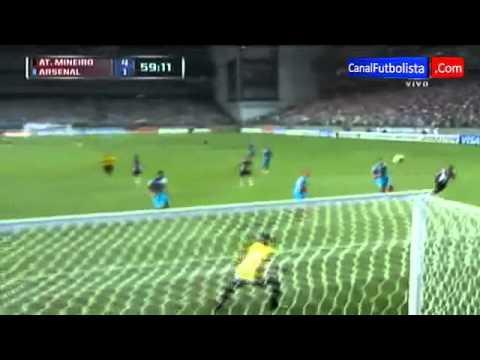 Infernal Golazo de Ronaldinho Atletico Mineiro vs Arsenal 5 2 Copa Libertadores 03 04 2013