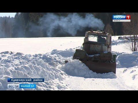 В Марий Эл 2 тракториста расчищают дороги семи населенных пунктов