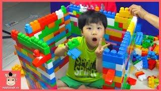 메가블럭 1000개 귀여운 아기 대형 집 만들기 도전 (귀요미 주의ㅋ) ♡ 블럭 장난감 놀이 Mega bloks House Making | 말이야와아이들 MariAndKids
