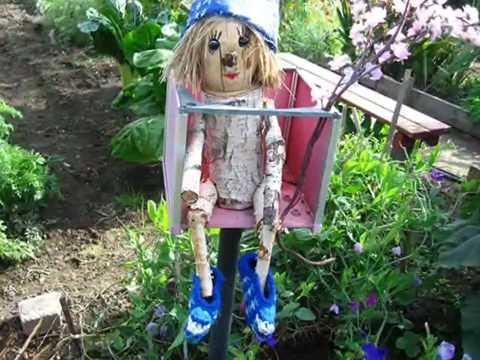 Cмотреть видео Вот такой забавный декор для сада, декор для дачи
