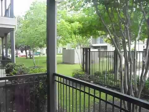 North Houston Apartments with Attached Garages for Lease