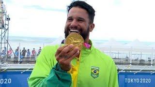 Italo Ferreira comemora ouro nas Olimpíadas de Tóquio #Tokyo