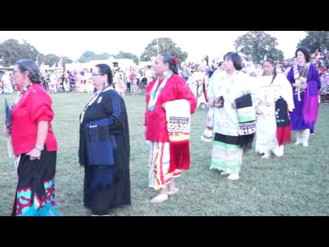 Sac and Fox Powwow 2014: Grand Entry