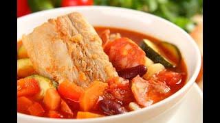 Przepis - Hiszpańska zupa chorizo (przepisy kulinarne Przepisy.pl)