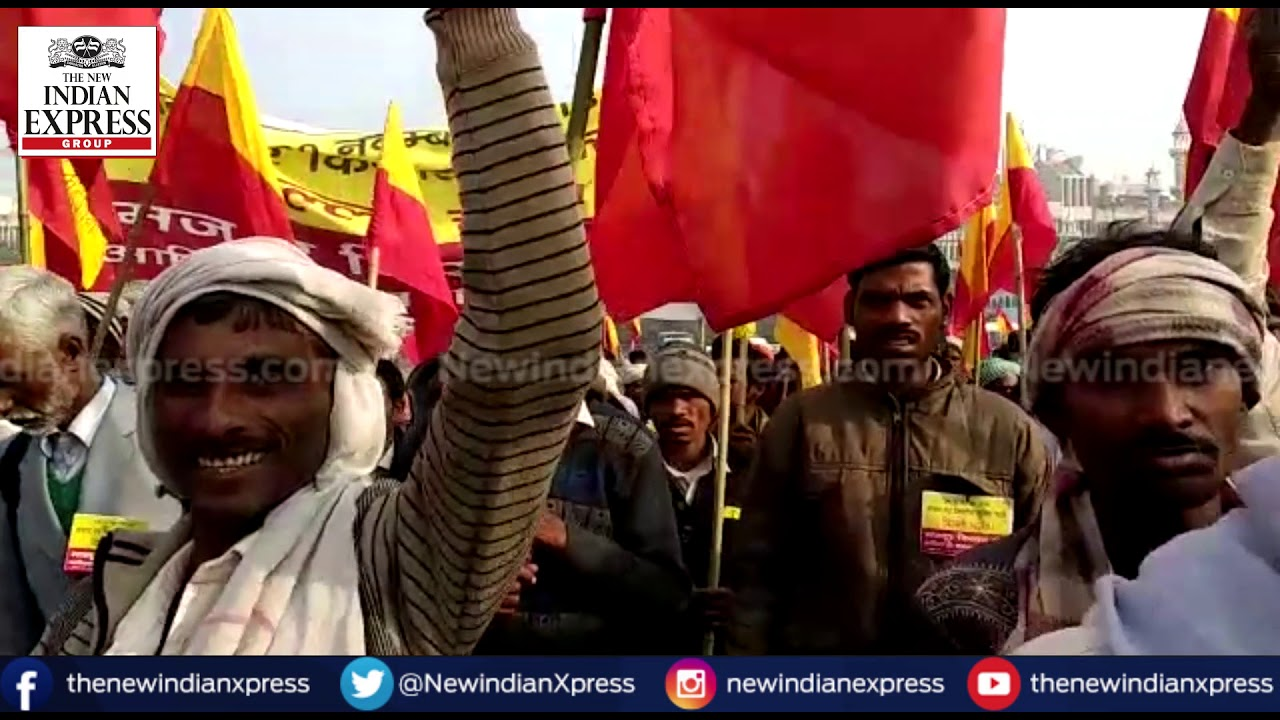 Farmers march: Protesting farmers raise slogans against government