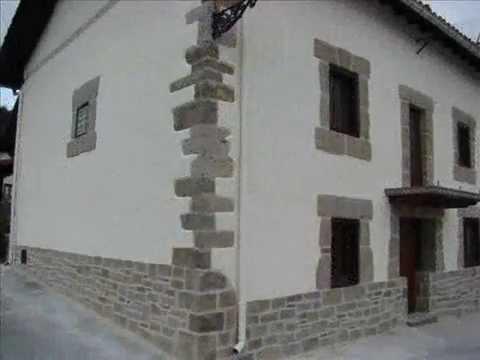 Fachada rustica decoracion rustica con mortero tematico - Decoracion de casas rusticas ...