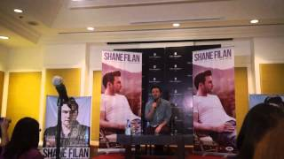 Shane Filan in Manila sings Flying Without Wings