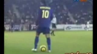Joga bonito football skills C.Ronaldo 2008  2009 messi!
