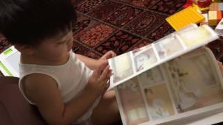 スノーマンの絵本を喃語で朗読します。