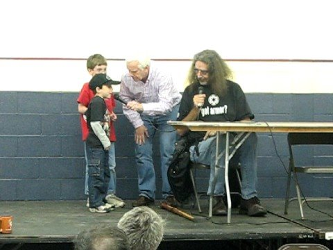 Peter Mayhew Chewbacca teaches kids to talk like Chewy