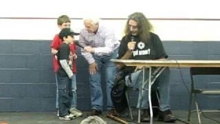 Peter Mayhew (Chewbacca) teaches kids to talk like Chewy