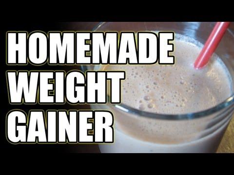HOMEMADE WEIGHT GAINER FOR BULKING