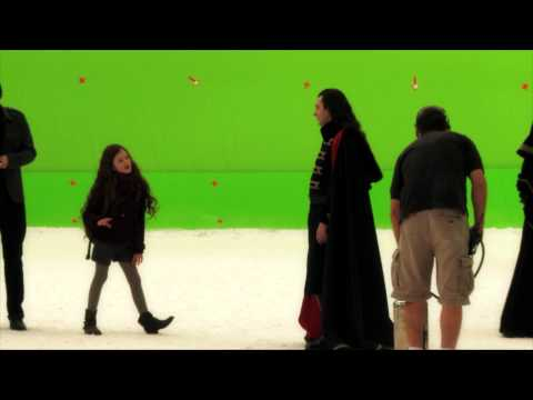 The Twilight Saga: Breaking Dawn Part 2  Working With MacKenzie