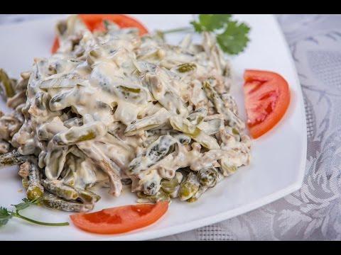 Салат по деревенски с курицей.