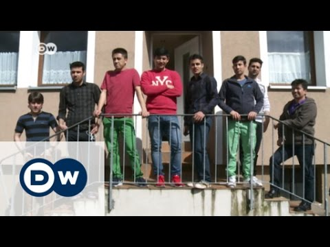 Afghan refugees in Germany ask to return home | DW News