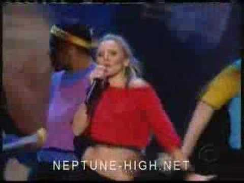 Kristen Bell Performs 'Fame' At 2005 Emmys
