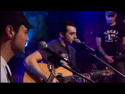 Acoustic  Trip  Hedley