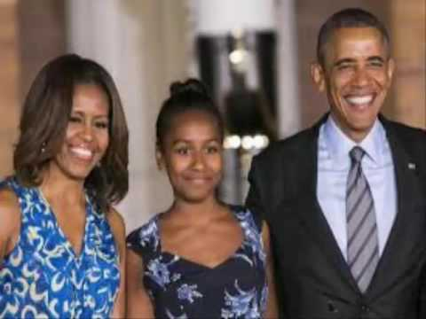 US First Daughter Sasha Obama serves seafood in summer job || Sasha Obama serves seafood in  job