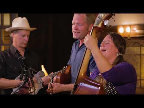 Foghorn Stringband - A Few Old Memories