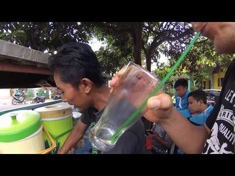 Indonesia Sukabumi Street Food 2546 Es Jeruk Depan SMPN 5 YDXJ0751