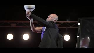 Star Act - Football Juggling by Jorge Vilar.