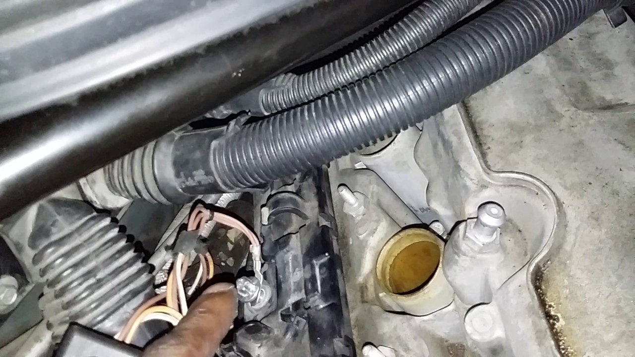BMW 530i 2007 VALVE COVER REMOVAL