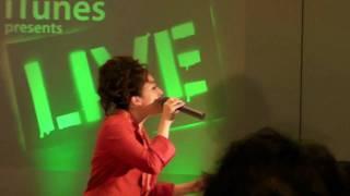 2009年12月11日にApple Store, Shibuyaにて行なわれたイベント「iTunes presents Xmas Rocks」シリーズで、平原綾香が歌う「アヴェ・マリア」