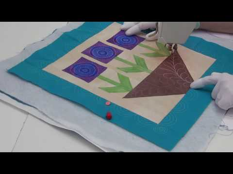 Machine Quilting Stippling In A Flower Block - Beginner Quilting Tutorial With Leah Day