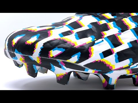 THESE RARE FOOTBALL BOOTS ARE AN OPTICAL ILLUSION!