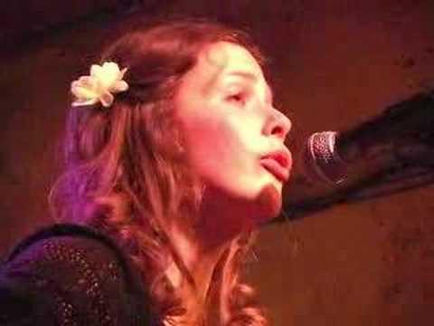 "Daisy May sings ""Heartsong"""