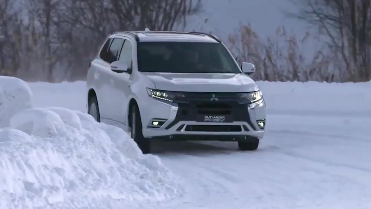 2019 Mitsubishi Outlander PHEV  Test Drive on Snow