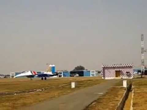 SUKHOi 30 LANDING AT YELAhanka AIR BASE