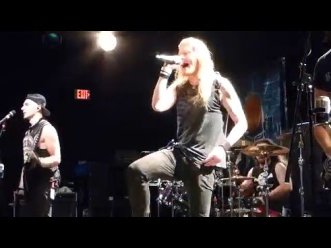 DragonForce - Seasons (Houston 12.10.15) HD